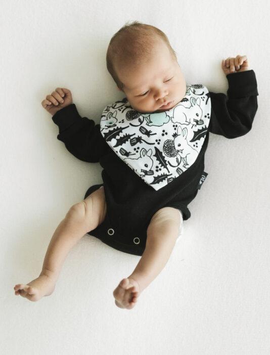 vauvan musta body